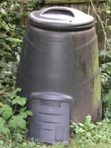 outdoor-compost-bin